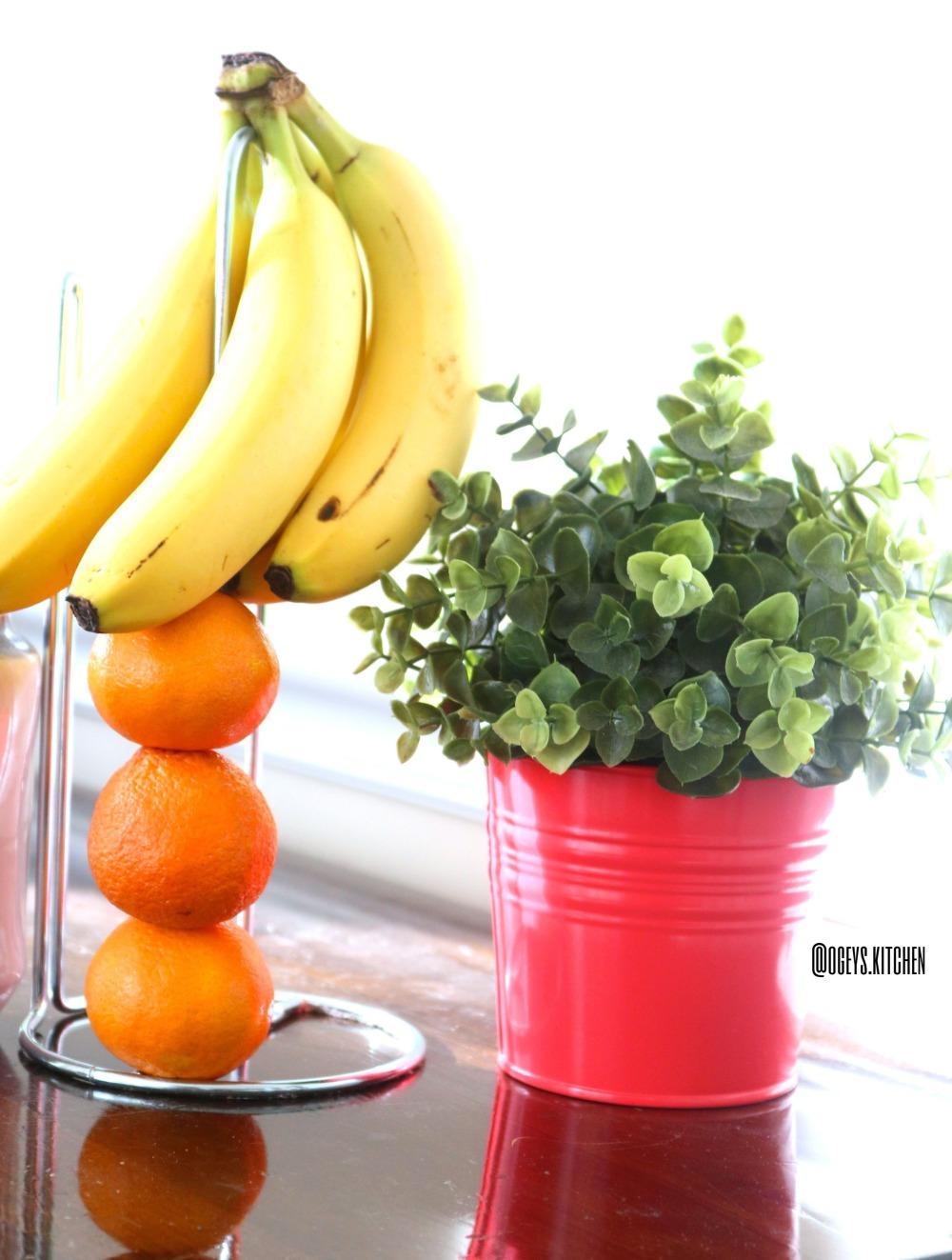 fruits w logo